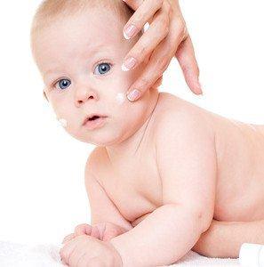 Babypflege - zur Beruhigung der Haut