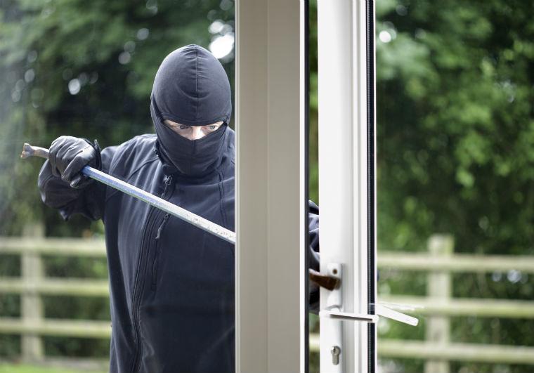 Einbrecher knackt Gartentür