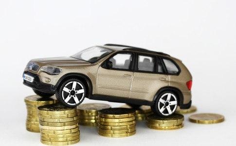 Auto auf Geldstücken