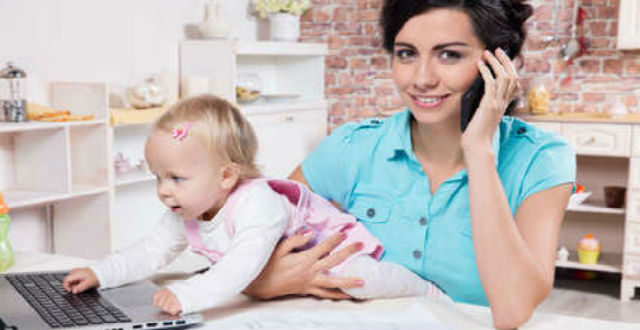 Frau-Kind-Arbeiten