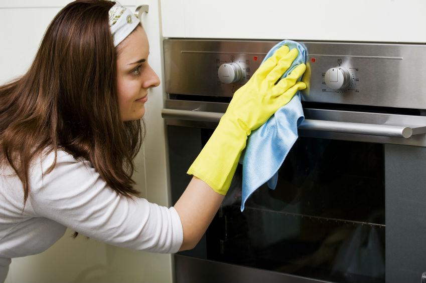 Wie Reinigt Und Pflegt Man Edelstahloberflachen Am Effektivsten