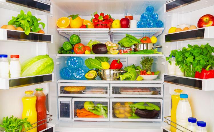 geöffneter Kühlschrank