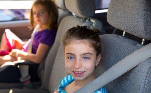 Bei der Autofahrt steht die Sicherheit der Kinder im Vordergrund
