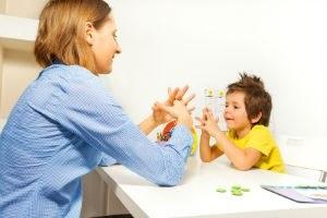 Kind bei Therapie