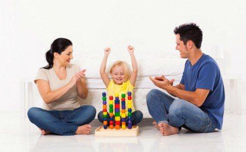 Eltern loben Kind