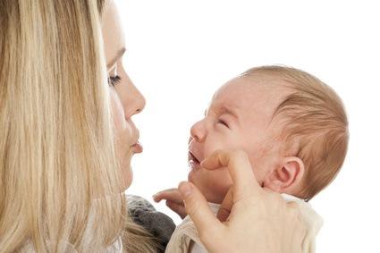 Koliken sind für Babys eine Qual und viele Eltern kapitulieren angesichts ihrer Schreibabys