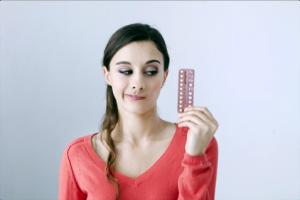 Mädchen mit der Pille