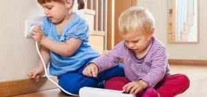 checkliste die wohnung kindersicher machen. Black Bedroom Furniture Sets. Home Design Ideas