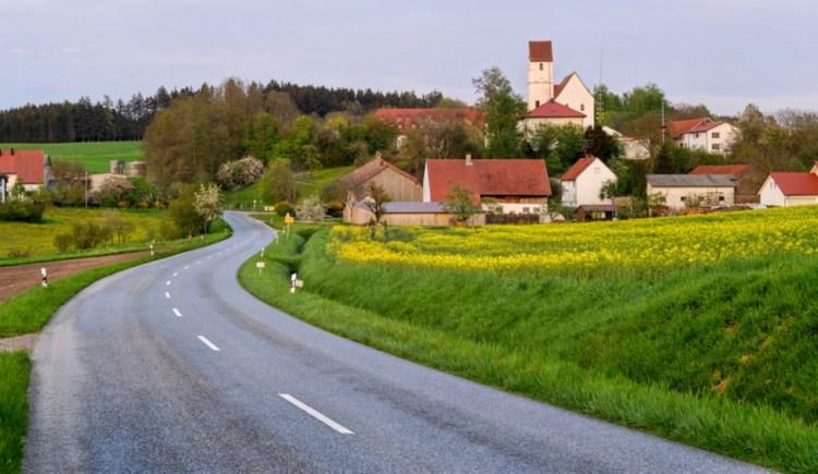 Dorfeingang Straße